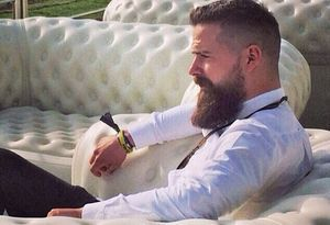 Гладкие мужские прически. Современное ретро: Крутые мужские стрижки и прически 2015 (фото) http://rollingvogue.com/category/my/strizhki-i-pricheski/ #стрижки #мужские #прически #hair #hairstyles #haircut #mens #homme зализанные гладкие прически с начесом ретро стиль виниловый блеск бриалин фото мужских крутых укладок и стрижек как делать