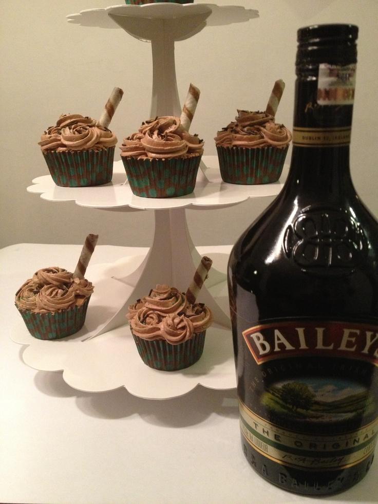 Bailey 39 s cupcakes en base para evento bases - Bases para cupcakes ...