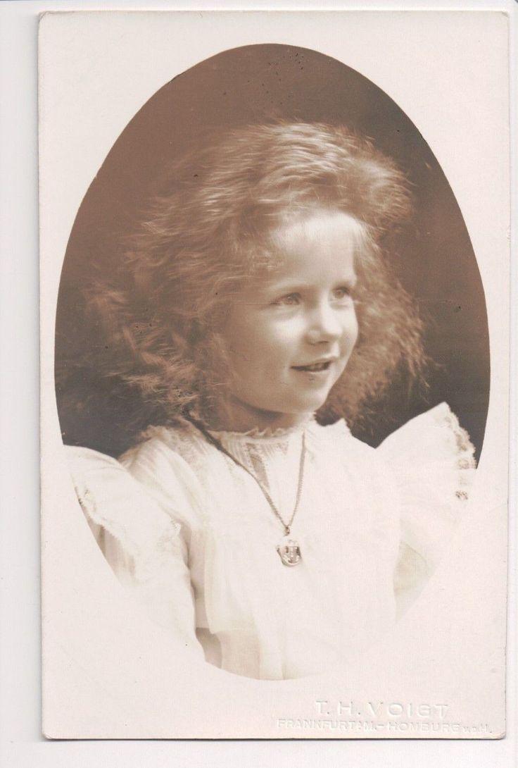 Princesse Hélène de Grèce et de Danemark (1896-1982) fille du roi Constantin  1er et de la princesse Sophie de Prusse. Future reine de Roumanie