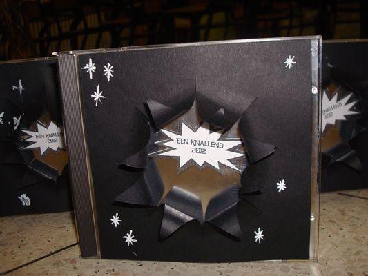 """oud cd doosje met een wens op het onderste deel van het doosje en op de voorzijde een """"gat"""""""