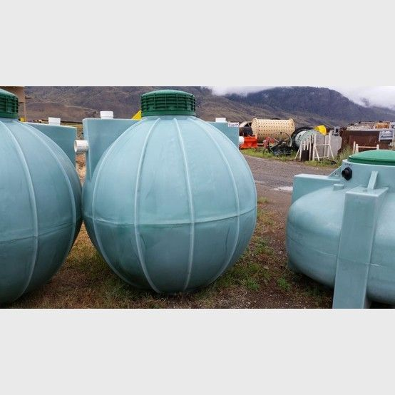 Proveedor de tanque septico de polietileno a nivel mundial | Tanque de polietileno septico nuevo de 600 galones a la venta - Savona Equipment