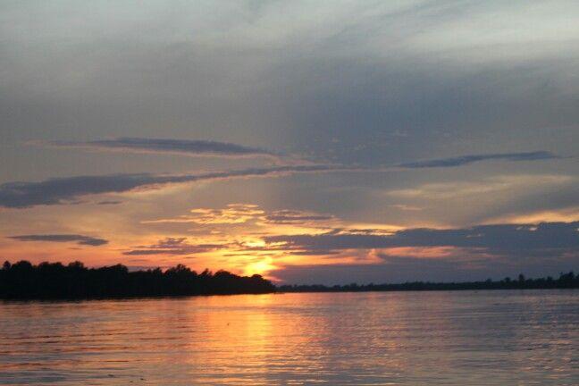 Suasana senja di Sungai Reteh menuju Pulau Kijang..