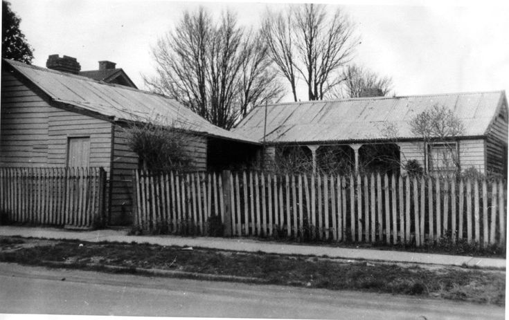 Mrs Campbell's Home at the Retreat in Traralgon. Taken from Bill Cuthill's History of Traralgon
