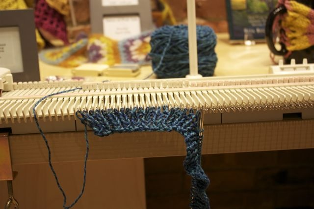 Lk150 Knitting Machine Patterns : 17 Best images about lk150 on Pinterest Free pattern, Fair isles and Hand k...