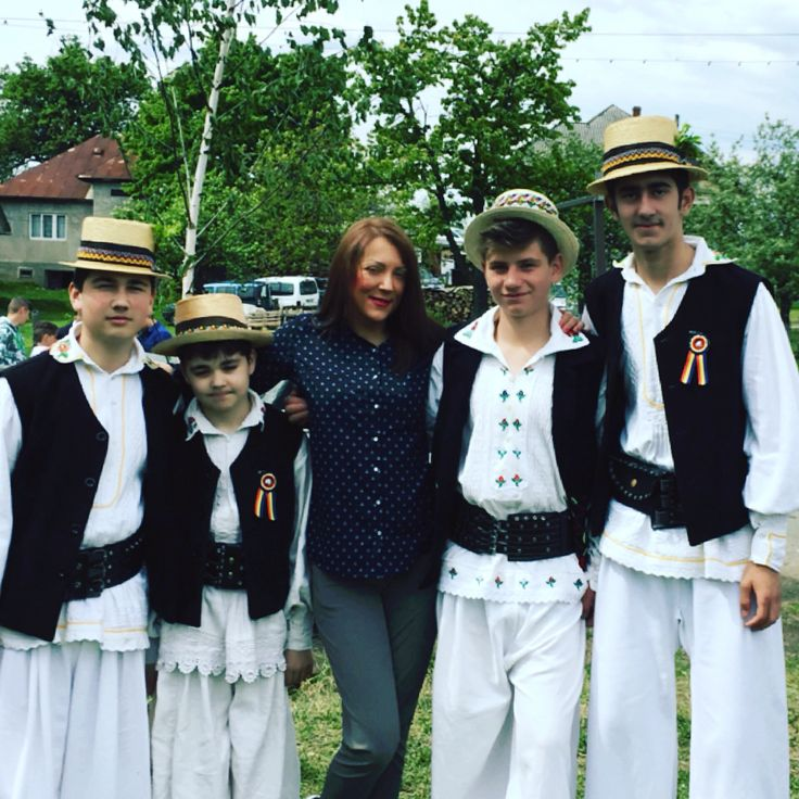 Romanian girl and boys  Easter Traditions