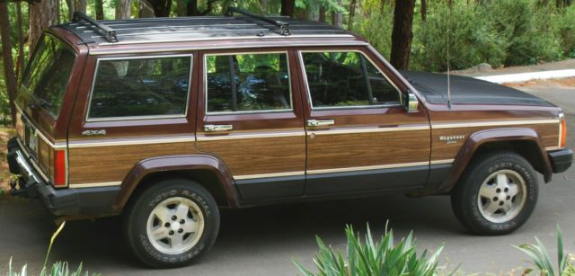 Jeep Wagoneer Woody For Sale Bc Canada Automotoclassicsale Com Jeep Wagoneer Jeep Covered Wagon