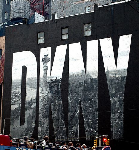 No more cloudy days, a big photo about a big city... :) New York City via @Guisante Verde