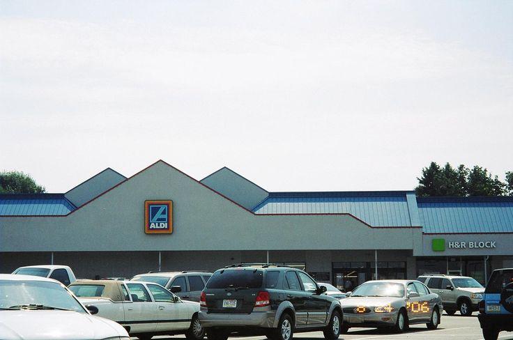 Aldi, Aldi Grocery store Uniontown, Pennsylvania.
