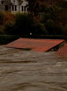 Woda zalewa północ Hiszpanii. http://tvnmeteo.tvn24.pl/informacje-pogoda/swiat,27/woda-zalewa-polnoc-hiszpanii,190510,1,0.html
