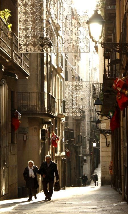 Barcelona street in the morning.. during Christmas, Spain (by Esther Moliné on Flickr)