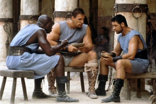 Niewiele osób wie, że jęczmień był jednym z podstawowych składników pokarmu rzymskich gladiatorów. Dziś ONZ dostarcza go krajom dotkniętych głodem, ponieważ jęczmień ma niesamowitą zdolność do wspierania ludzkiego organizmu http://blog.ruszamysie.pl/malo-znane-zalety-jeczmienia-drink-z-wody-jeczmienia-z-cytryna-i-miodem/