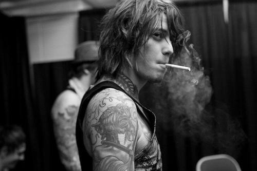 Ben Bruce. Have I mentioned that I'm a sucker for tattooed band boys with messy hair and drinking problems?