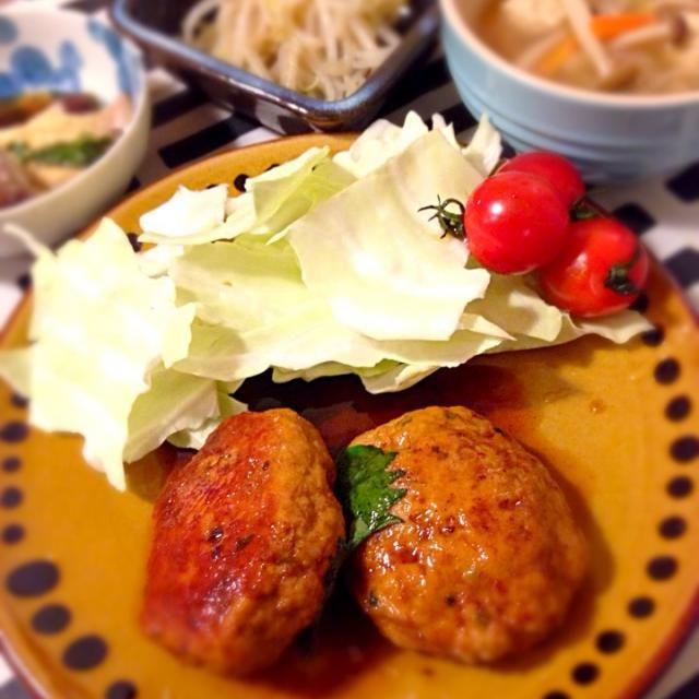 パスタ用の海鮮オイルが[俺の塩]焼きそば味 もやしと合えるだけでウマー! これスキー❤️ - 25件のもぐもぐ - 豚つくね肉団子スープ俺の塩もやし by mocha511