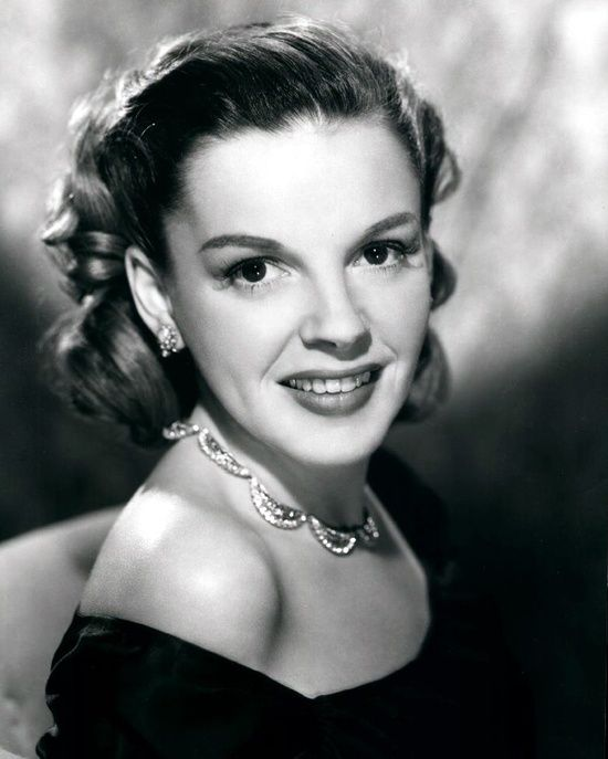 old movie stars photos | movies: classic movie stars / Judy Garland #hollywood #classic # ...