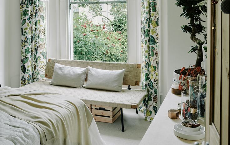 Simple spring update ideas for your bedroom