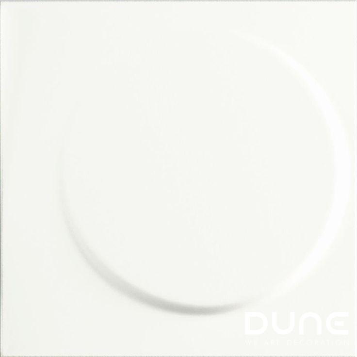 LUNA WHITE - 25X25cm -  Azulejo con relieve en color blanco mate. Volúmen 3D en forma de círculo desplazado que evoca los movimientos de la Luna.    #duneceramica#diseño#calidad#azulejos#creatividad#design#quality#tiles#creativity#innovation#trend#fashion#decorationwww.dune.es/...