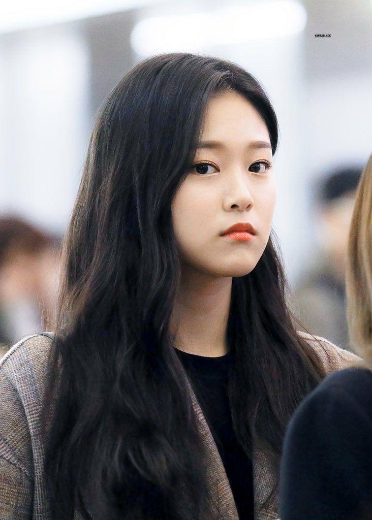 Loona Hyunjin 191127 Vietnam Incheon Airport Girl Kpop Girls Kpop Girl Groups