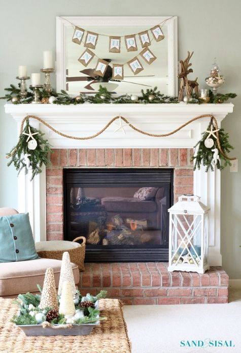A Coastal Christmas Mantel With Rope Garland Http Www