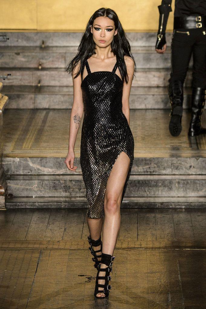 Julien Macdonald Fall 2016 Collection | POPSUGAR Fashion