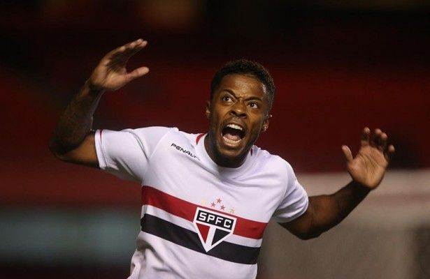 "Michel Bastos faz gol, manda torcida ""calar a boca"" e gera revolta; assista o Video"