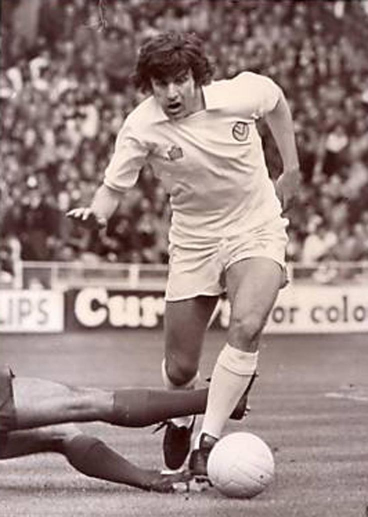 Peter Lorimer Leeds United - blistering left foot shot