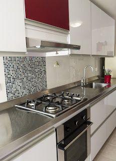 Cocina blanca con mosaico en vidrio proyectos - Cocinas con mosaico ...