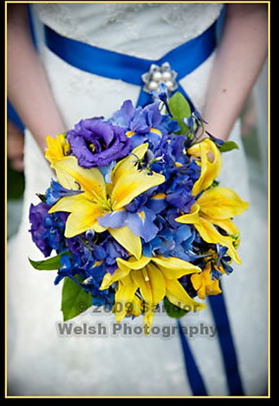 Blue And Yellow Bouquet Stunning Exactly What I M Looking For To Wedding Flowersflowers
