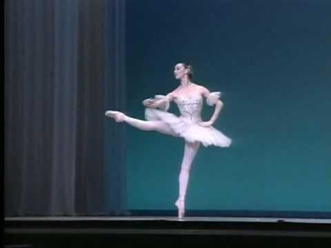 Elisabeth Platel & Nicolas Le Riche in Grand Pas Classique. No one dances this variation more elegantly. Platel is sublime.