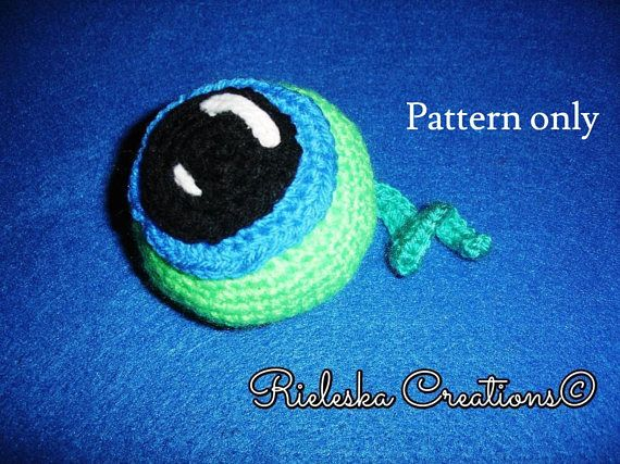 ***Price is for the pattern only, not the finished product*** Crochet PDF Pattern Eye/ amigurumi size: 4 inches tall and 4 inches long/ 10 cm *Worsted weight yarn and hook size: 3,50mm* There is no shipping charge for this item, as it is a PDF file and will be sent almost direct of payment.