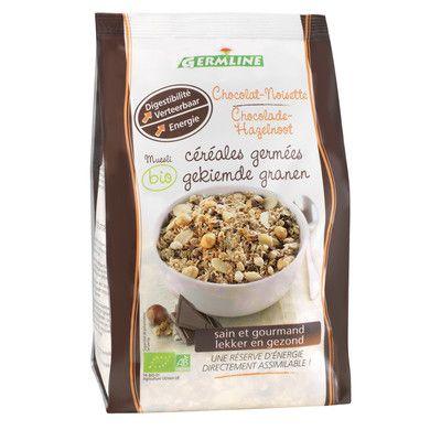 Musli din cereale germinate ciocolata-alune bio 350 g. Bogat in fibre, magneziu, fier, fosfor, zinc. Contine minim 68.5% cereale germinate.  Ingrediente: cereale germinate 73.2% (ovaz, grau, secara, orez brun expandat), ciocolata neagra 17.1% (pasta de cacao, zahar auriu din trestie, unt de cacao, vanilie, lecitina de soia), migdale decojite, alune de padure 2.4%, ingrediente din agricultura ecologica.