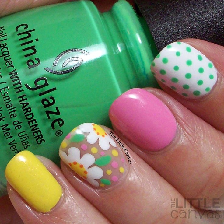 The Little Canvas: The One with the Floral Manicure for Mother's Day