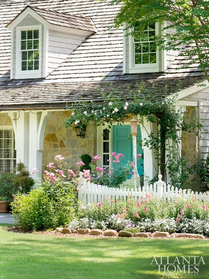 Beautiful cottage style entry