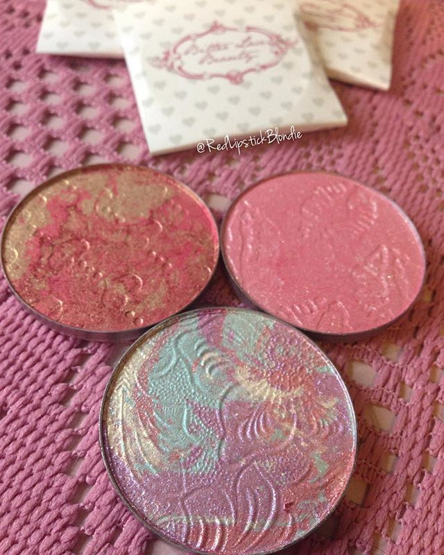 My newest bitter lace beauty highlighters!  They are gorgeous!  #bitterlacebeauty #kissthegirl #unbirthday #loveatfirstsight