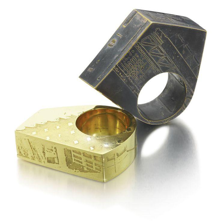 Black Angular 'Souvenir' Ring - Sara Gunn - Sara Gunn