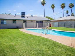 Scottsdale REDUCED Price, Single level homes for sale in Scottsdale Arizona under $500,000!   $296,500, 3 Beds, 2 Baths, 1,470 Sqr Feet  Charming move-in ready Hallcraft home with open floor plan.  All n ..  http://mikebruen.searchforhomesinarizona.com/property/22-5633013-8638-E-Palm-Lane-Scottsdale-AZ-85257