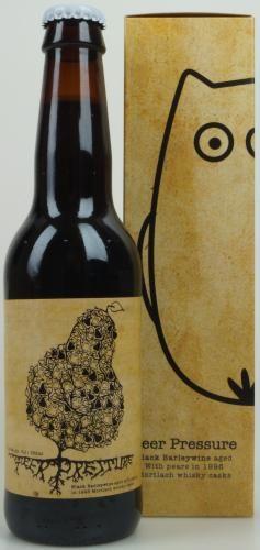 KABOOM! Je moet deze wel drinken, je kan niet achter blijven...de Peer Pressure is ON! Een machtige Barley Wine van maarliefst 15,6% alcohol! Gelagerd op oude (1996) Whiskey vaten welke gevuld waren tijdens de lagering met Neerlandsche peren... Het resultaat is Boozy, Whiskey, Peren en het fijne gevoel dat je de Peer Pressure nu bij iemand anders hebt neergelegd... Cheers!