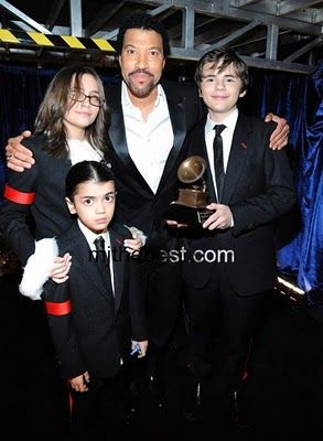 Lionel Richie with Michael Jackson's children.