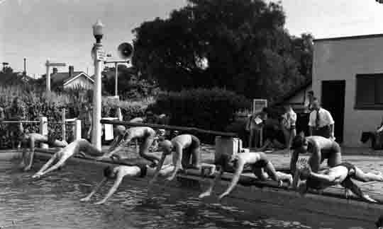 Malvern Grammar School Sports at Malvern Baths, ca. 1950.