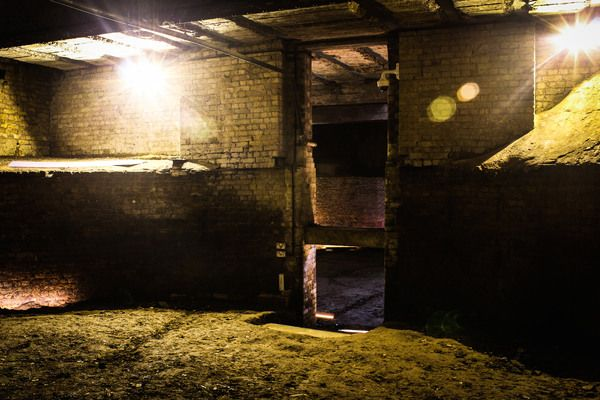A subterranean ice warehouse that has lain hidden beneath central London for over a century is now open to the public. Part of the new London Canal Museum!