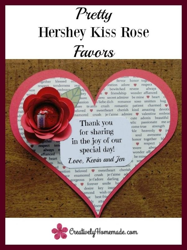Need favors for an upcoming party or shower? These flowers made Hershey Kisses are just beautiful and would work well for birthdays, bridal showers, or even sweet 16 parties.