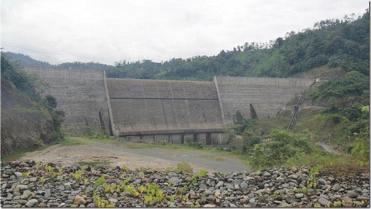 Panamá no construirá más hidroeléctricas por escasez de fuentes de agua http://www.inmigrantesenpanama.com/2016/01/28/panama-no-construira-mas-hidroelectricas-escasez-fuentes-agua/