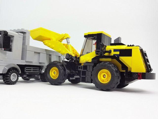 LEGO Wheel loader Komatsu WA380-8 | Y Akimeshi | Flickr