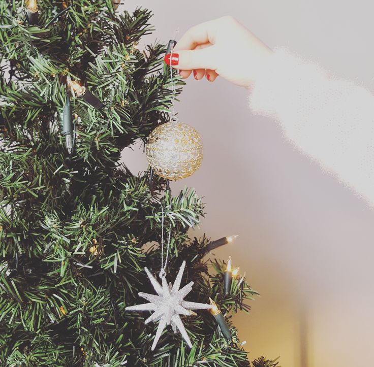 December is for decorating www.kynzah.com #kynzah #decoration #myhome #interiors #interiorstyling #homedecor #interiordecor #homeinspo #homebeautiful #interiordesign #home #house #homedesign #interiordecoration #homeinspiration #interior4all #interior123 #homewares #decor #interiorandhome #passion4interior #charminghomes #homestyle