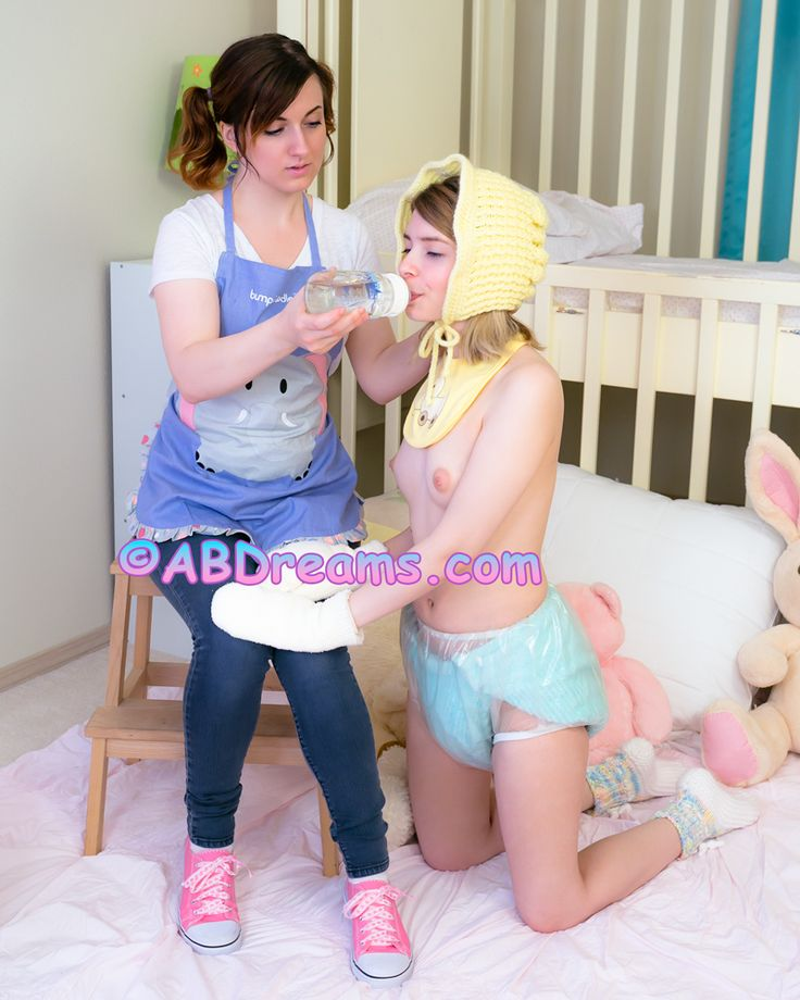 Give me pink innocent blonde inserts dildo and rubs herself 2