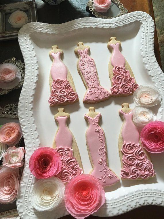 Rosa boda séquito vestido 10 galletas despedida por MarinoldCakes