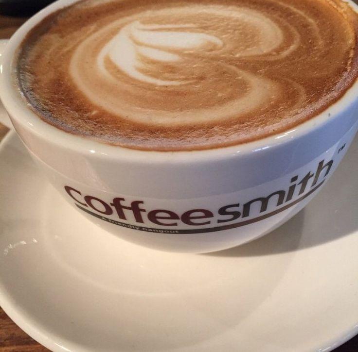 영등포역 조그마한 카페 커피스미스. 인스타그램에서 행사하고 있길래 가봤지~~ 카페 라떼 굿! 가격도 굿!