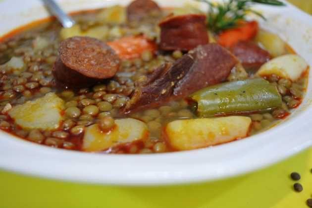 Lentejas caseras, la receta de mi abuela, historia: ¡Hola querid@s amig@s de Cocina Familiar¡ En el día de hoy vengo con otra nueva receta, que es...