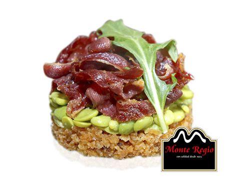 Migas con habitas confitadas y jamón ibérico #MonteRegio ¡una forma deliciosa de empezar agosto!