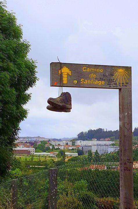 Per chi non sa nulla del Cammino di Santiago e vuole farsi un'idea della giornata tipo del pellegrino, in chiave ironica ma anche con qualche info utile.