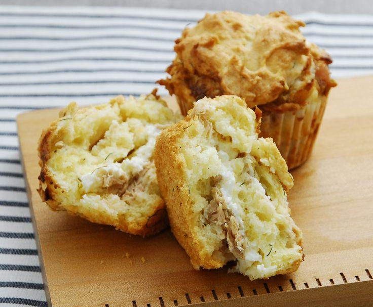 お菓子・パン作りの材料と道具の専門店「クオカ」さんに教わる、朝ごはんにおすすめの簡単パンやスイーツ。今回は最終回!便利なマフィン型でつくる、近頃人気のお食事マフィン「ツナとサワークリームのマフィンサレ」をご紹介します♪  …